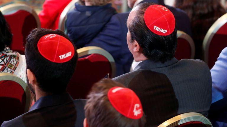 """Les Juifs auraient répondu: """"Nous ne l'avons pas"""". quand M. Trump les a accusés de voter pour Barack Obama"""