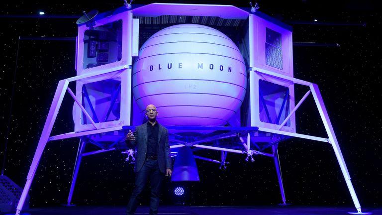 Jeff Bezos dévoile le roccket de l'atterrisseur lunaire Blue Moon