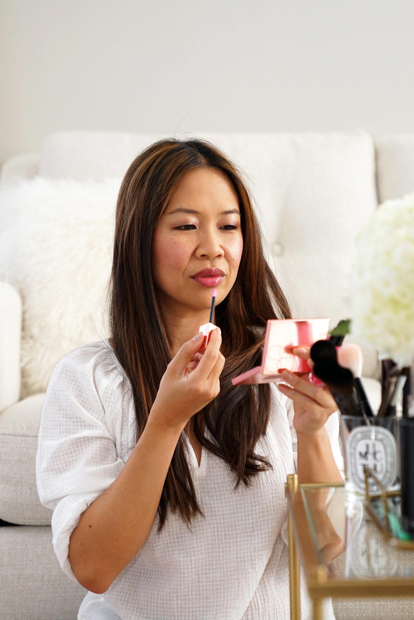 Examen du teint des lèvres infusé d'huile d'orgasme de l'orgasme