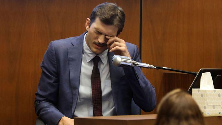 L'acteur Ashton Kutcher témoigne lors du procès pour meurtre du meurtrier présumé Michael Thomas Gargiulo