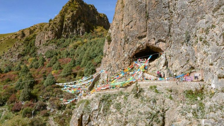 Le fossile de la mâchoire a été découvert à la grotte de Baishiya Karst