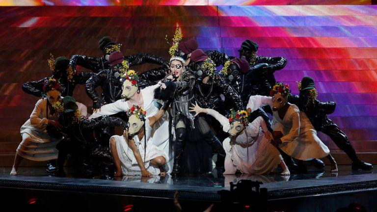 """Les organisateurs ont rappelé à Madonna que l'Eurovision était """"non politique""""."""