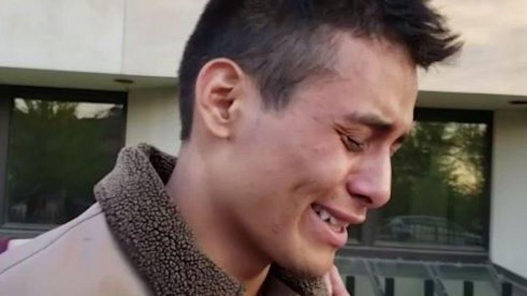 Le mari de Mme Ochoa-Lopez a rendu visite à son fils à l'hôpital