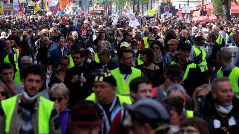 Les syndicats français et les manifestants à Paris