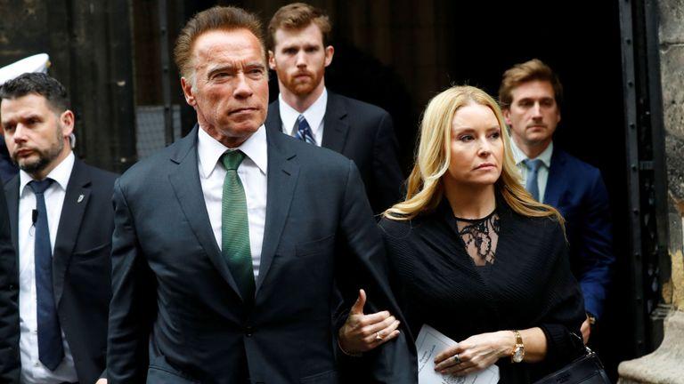 Arnold Schwarzenegger, star hollywoodienne d'origine et activiste, était parmi les personnes en deuil