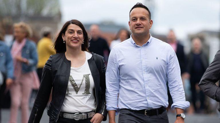 Le irois Taoiseach, Leo Varadkar, a prouvé qu'il était un fan des Spice Girls alors qu'il assistait au concert avec sa soeur Sonia