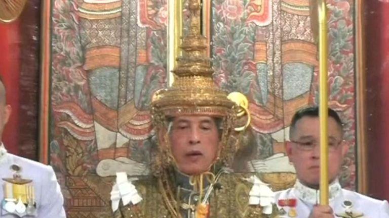 Le nouveau roi de Thaïlande est couronné