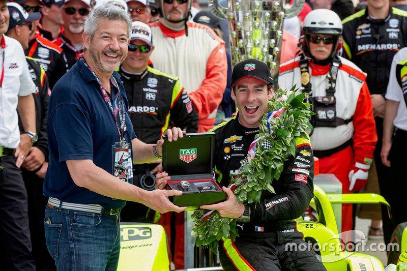 Regardez la présentation du vainqueur de la course, Simon Pagenaud, du Team Penske Chevrolet