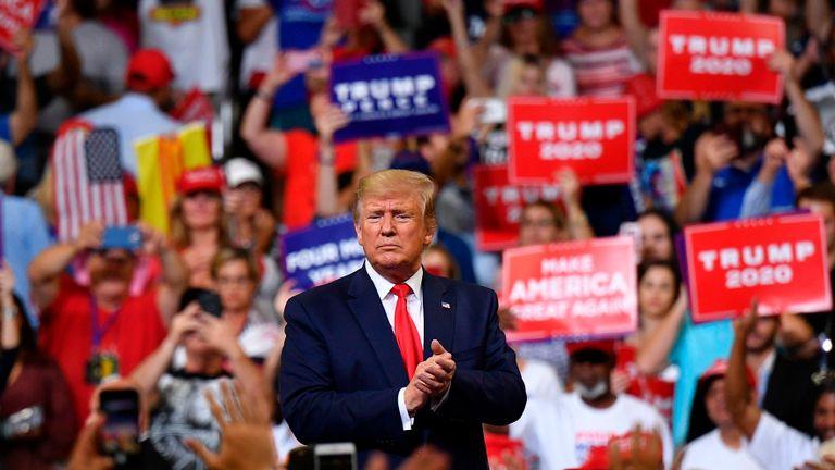 Le président des États-Unis, Donald Trump, prend la parole après un rassemblement au Centre Amway d'Orlando, en Floride, pour lancer officiellement sa campagne 2020 le 18 juin 2019. (Photo de MANDEL NGAN / AFP) (Le crédit photo devrait correspondre à MANDEL NGAN / AFP / Getty Images)