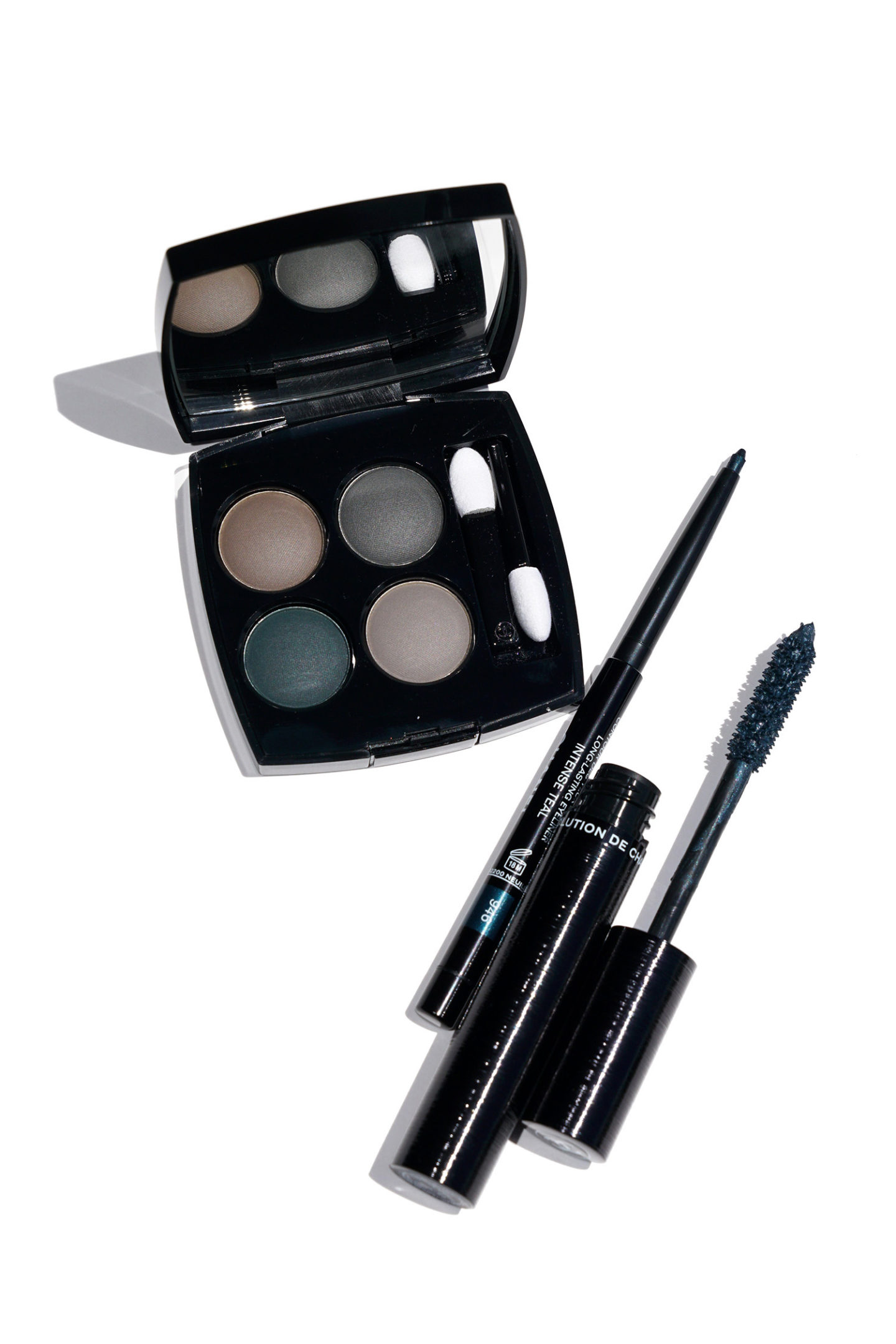 Chanel Blurry Blue, Intense Teal Review et Nuanciers