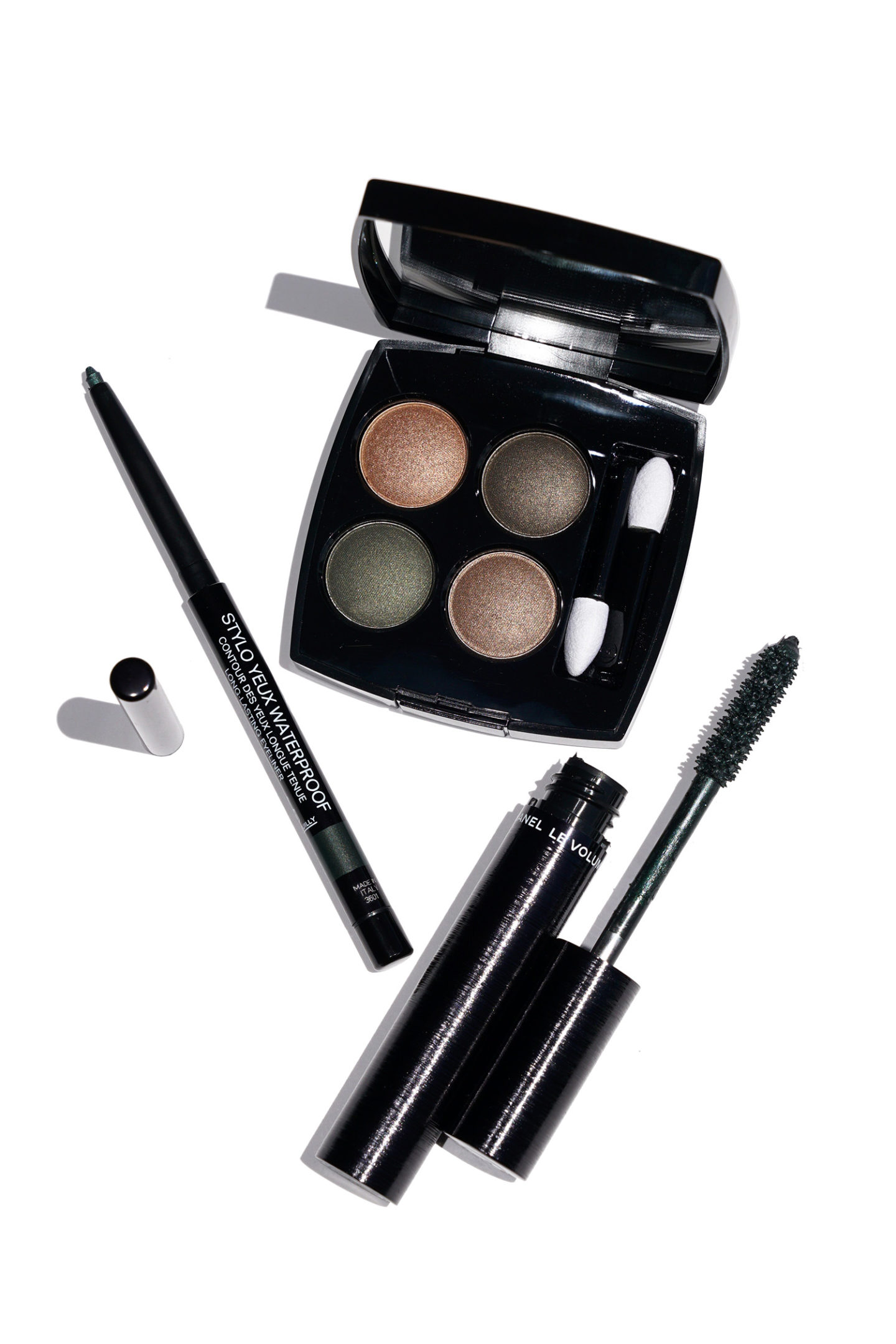 Chanel Flou Green Eye Collection examen | Le look book beauté
