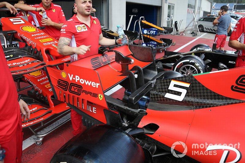Détail de laile arrière Ferrari