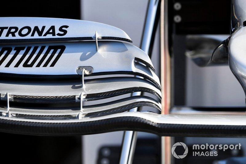 Aile avant de Mercedes AMG F1 W10