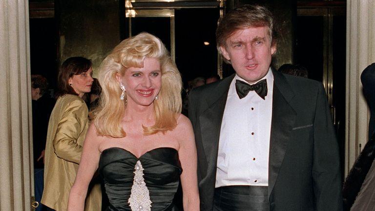Donald Trump et son ex-femme Ivana à New York, décembre 1989
