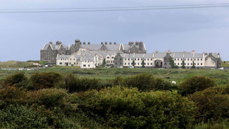 M. Trump séjournera dans son hôtel et son parcours de golf à Doonbeg pour les prochains jours.