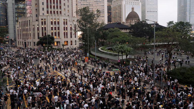 Des dizaines de milliers de manifestants ont pris part à des manifestations anti-extradition