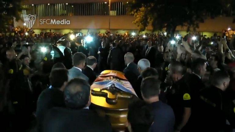 Le Sevilla FC a rendu un hommage ému à son ancien joueur, Jose Antonio Reyes, décédé la semaine dernière.