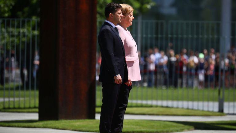 La chancelière allemande Merkel et le président ukrainien Zelenskiy à la chancellerie de Berlin