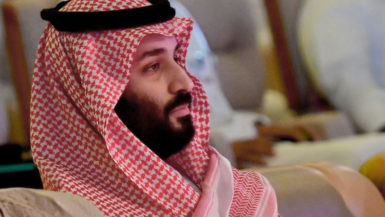 """Le 24 octobre 2018, le prince héritier saoudien Mohammed bin Salman assiste à la conférence FII de la Future Investment Initiative à Riyadh, la capitale saoudienne. - Le sommet, surnommé """"Davos dans le désert"""", a été éclipsé par l'indignation mondiale grandissante suscitée par le assassinat d'un journaliste saoudien à l'intérieur du consulat du royaume à Istanbul. (Photo par GIUSEPPE CACACE / AFP) (Le crédit photo doit se lire comme suit: GIUSEPPE CACACE / AFP / Getty Images)"""