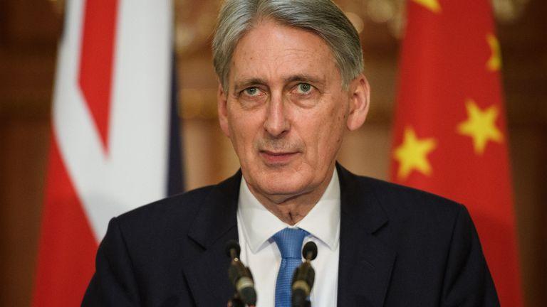 M. Hammond s'est demandé si les investissements chinois pouvaient compromettre la sécurité nationale.