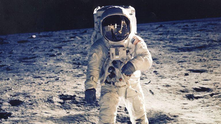 Neil Armstrong a été le premier homme à marcher sur la lune