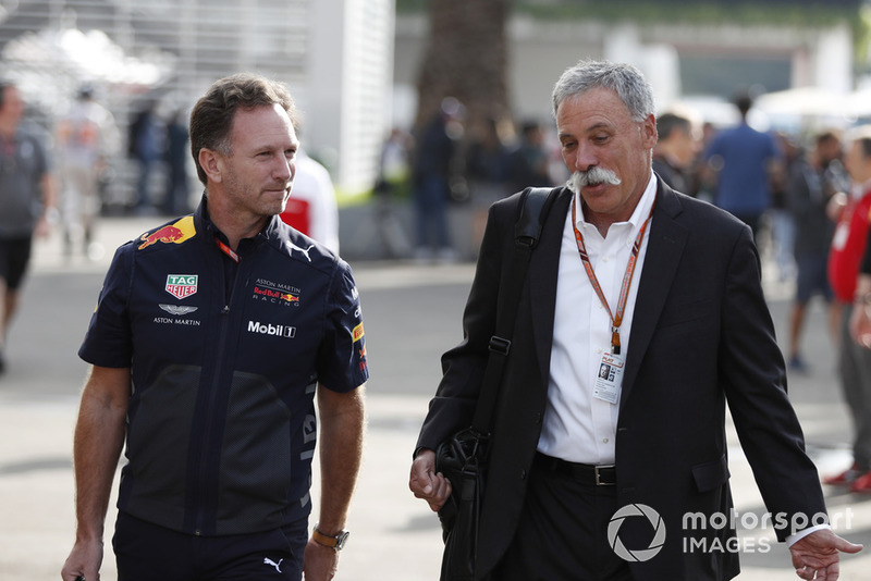 Christian Horner, directeur de léquipe Red Bull Racing et Chase Carey, directeur général et président exécutif du groupe Formula One