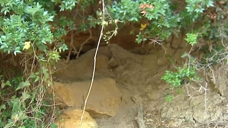 L'entrée du bunker où le corps de Mme Eaton a été retrouvé