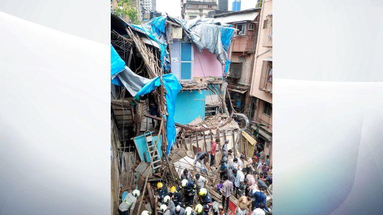 Les services d'urgence et les secouristes sur les lieux. Photo:: Brigade de pompiers de Mumbai