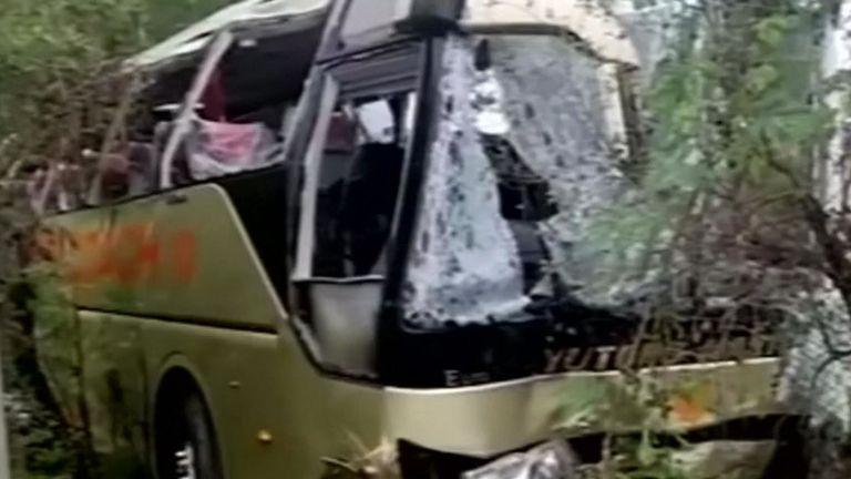 Au moins 13 personnes ont été tuées dans l'accident de bus