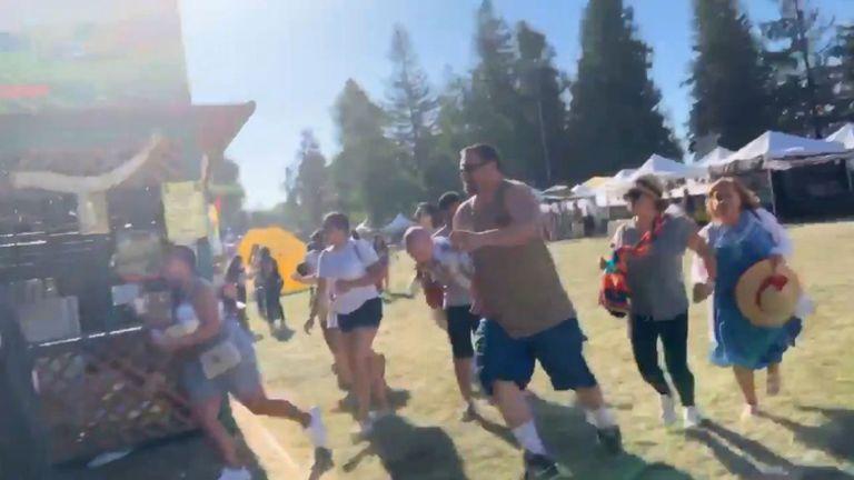 Les gens se sont enfuis après avoir tiré au Gilroy Garlic Festival. Pic: @wavyia