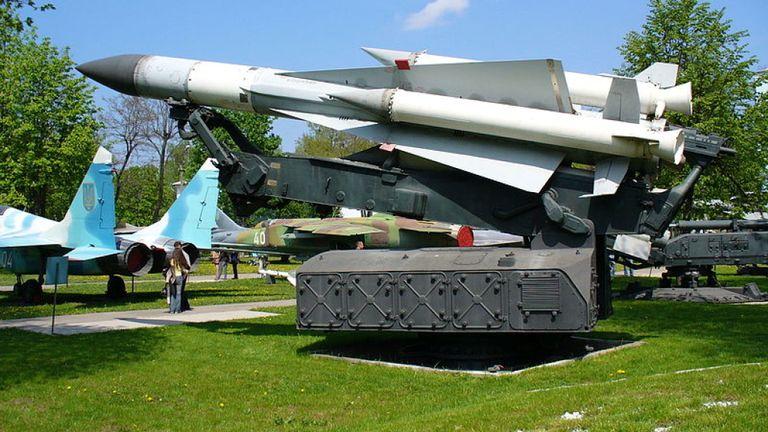 Une image de fichier d'un missile S-200 de fabrication russe. Pic: Wikicommons / George Chernilevsky