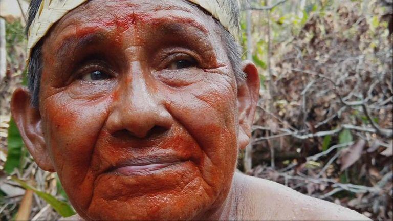Au cœur de l'Amazonie, les autochtones Mura se sont engagés à protéger leurs terres traditionnelles face aux menaces des agriculteurs, de l'exploitation forestière et des incendies qui font rage.