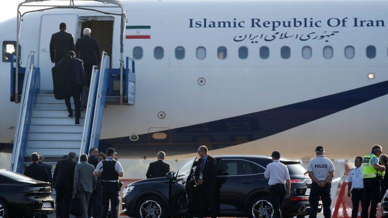 Un avion du gouvernement iranien est aperçu sur le tarmac de l'aéroport de Biarritz