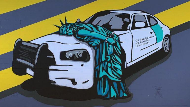 Peinture murale de la propagande recyclée dans le quartier des arts de Las Vegas Pic: Propagande recyclée