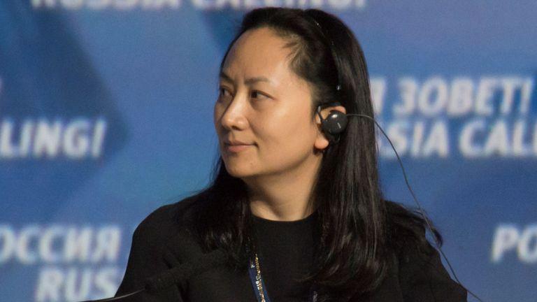 """Meng Wanzhou, directeur du conseil d'administration du géant chinois de la technologie Huawei, assiste à une session du VTB Capital Investment Forum """"Russia Calling!"""" à Moscou, Russie le 2 octobre 2014. Photo prise le 2 octobre 2014"""