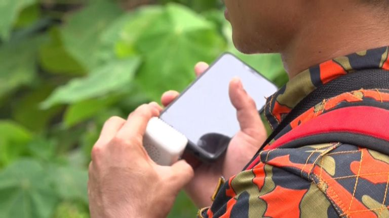 Les secouristes en Malaisie utilisent un enregistrement de Meabh Quoirin, la mère de Nora, pour rechercher l'adolescente disparue.