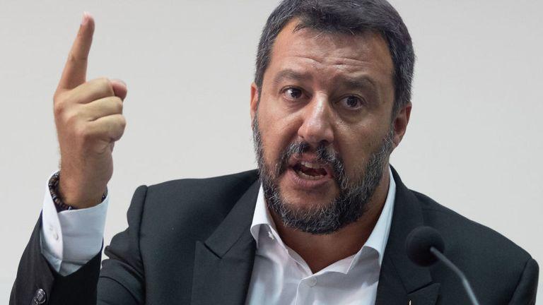 Matteo Salvini dit que le navire reste sur le point de me provoquer et de provoquer l'Italie et l'Italie.
