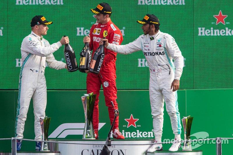Podium: vainqueur de la course Charles Leclerc, Ferrari, deuxième place Valtteri Bottas, Mercedes AMG F1, troisième place Lewis Hamilton, Mercedes AMG F1