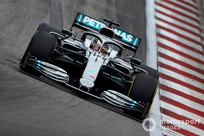 2: Lewis Hamilton, Mercedes AMG F1 W10, 132.030