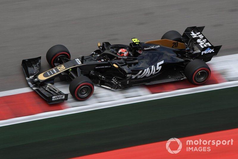 13: Kevin Magnussen, Haas F1 Team VF-19, 134.082