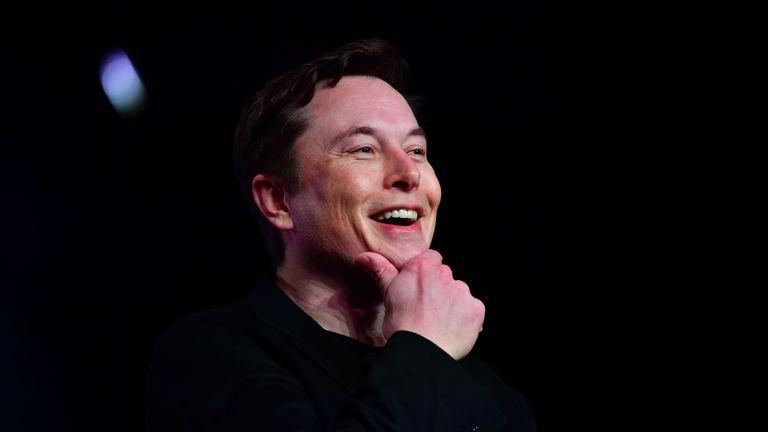 Le PDG de Tesla, Elon Musk, s'exprimant lors du dévoilement du nouveau Tesla Model Y à Hawthorne, en Californie, le 14 mars 2019. (Photo de Frederic J. BROWN / AFP) (Le crédit photo devrait se lire FREDERIC J. BROWN / AFP / Getty Images)