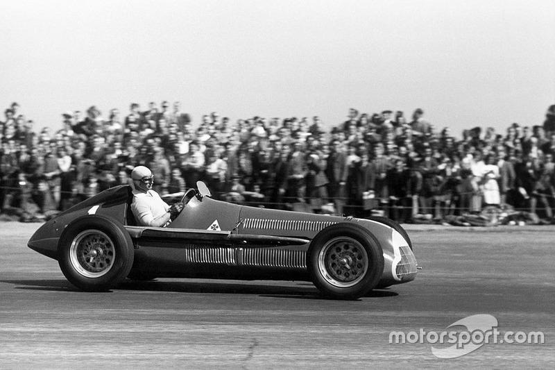 20: Juan Manuel Fangio, 38 ans