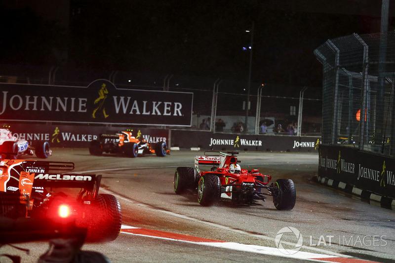 Sebastian Vettel, Ferrari SF70H, sécrase dans le premier tour
