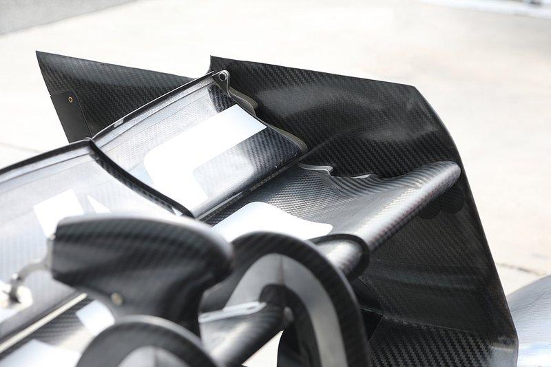 Détail de laile arrière du Haas F1 Team VF-19