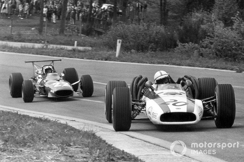 = 47: John Surtees, 17 ans