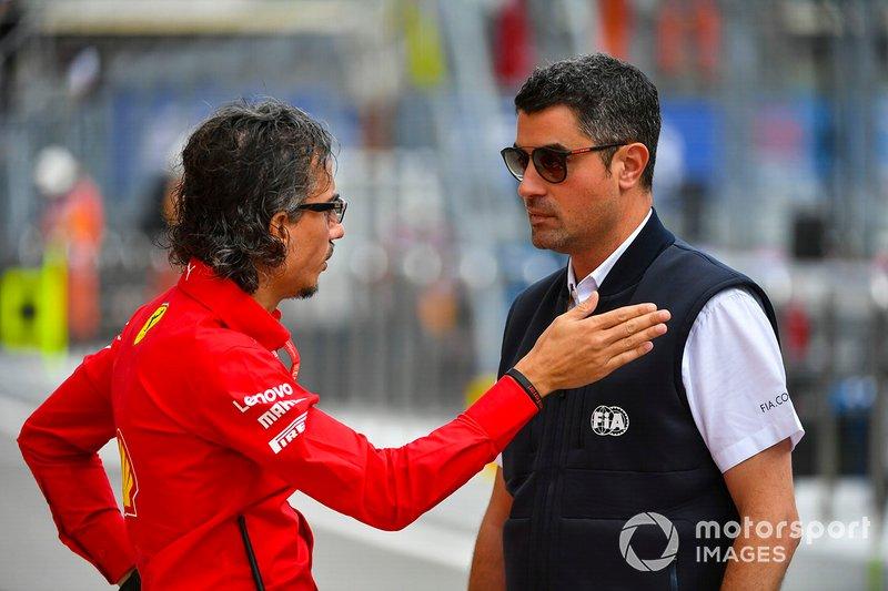 Laurent Mekies, directeur sportif, Ferrari, avec Michael Masi, directeur de course, FIA