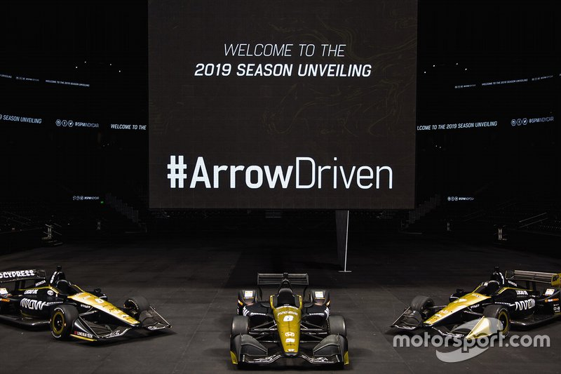 Arrow Schmidt Les voitures Peterson Motorsports de James Hinchcliffe, Robert Wickens et Marcus Ericsson.