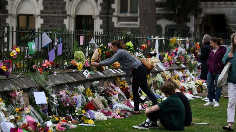 Les habitants rendent hommage aux victimes des attaques des mosquées à Christchurch le 16 mars 2019