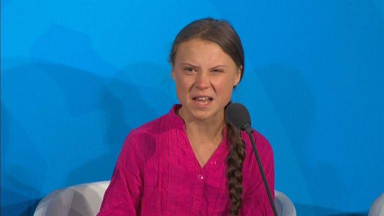 Dans un discours émouvant lors d'un sommet des Nations Unies sur le changement climatique, Greta Thunberg avertit que la race humaine est