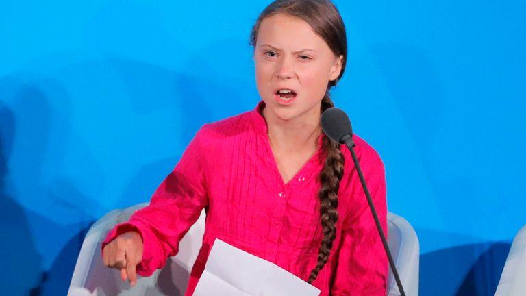 Greta Thunberg, une activiste suédoise de 16 ans qui milite pour le climat, prend la parole au Sommet des Nations Unies pour l'action sur le climat en 2019 au siège des États-Unis à New York, New York, États-Unis, le 23 septembre 2019. REUTERS / Lucas Jackson